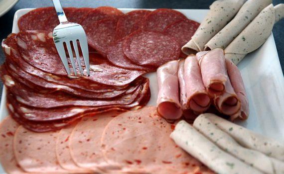 العناصر الغذائية في المارتديلا, السعرات الحرارية - الكربوهيدرات - العناصر الغذائية في المارتديلا