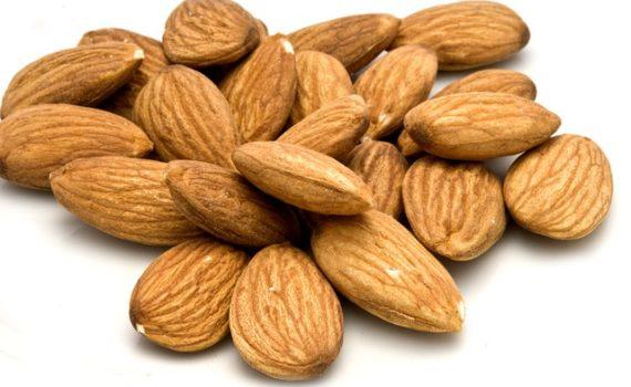 العناصر الغذائية في اللوز, السعرات الحرارية - الكربوهيدرات - العناصر الغذائية في اللوز
