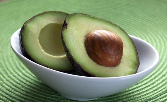 العناصر الغذائية في الافوكادو, السعرات الحرارية- الكربوهيدرات - العناصر الغذائية في الافوكادو