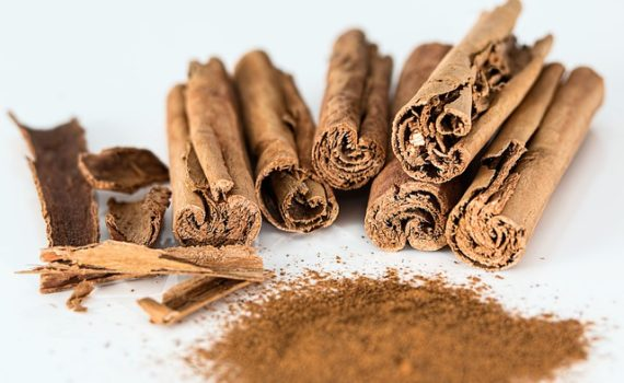 العناصر الغذائية في القرفة, السعرات الحرارة - الكربوهيدرات - العناصر الغذائية في القرفة