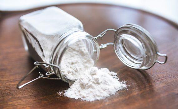 العناصر الغذائية في الطحين الابيض, السعرات الحرارية - الكربوهيدرات - العناصر الغذائية في الطحين الأبيض