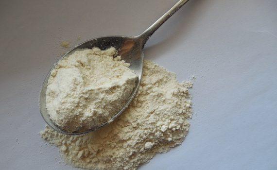 العناصر الغذائية في الطحين الاسمر, السعرات الحرارية - الكربوهيدرات - العناصر الغذائية في الطحين الأسمر