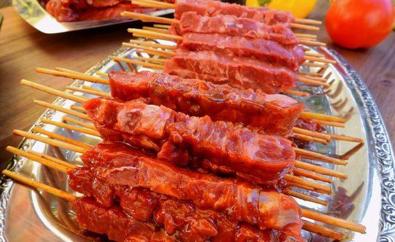 العناصر الغذائية في لحم الخروف, السعرات الحرارية - الكربوهيدرات - العناصر الغذائية في لحم الخروف