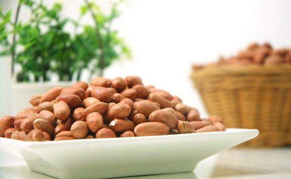 العناصر الغذائية في الفول السوداني, السعرات الحرارية - الكربوهيدرات - العناصر الغذائية في الفول السوداني