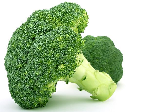 السعرات الحرارية الكربوهيدرات العناصر الغذائية في البروكلي المطهو