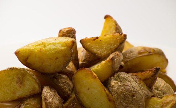 العناصر الغذائية في البطاطا المسلوقة, السعرات الحرارية - الكربوهيدرات - العناصر الغذائية في البطاطا المسلوقة