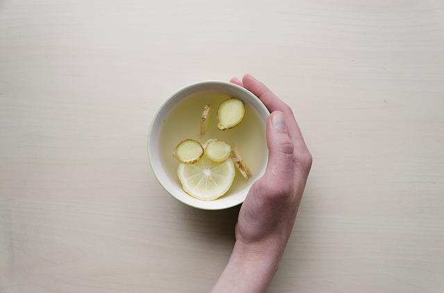 طريقة عمل شاي الليمون والزنجبيل