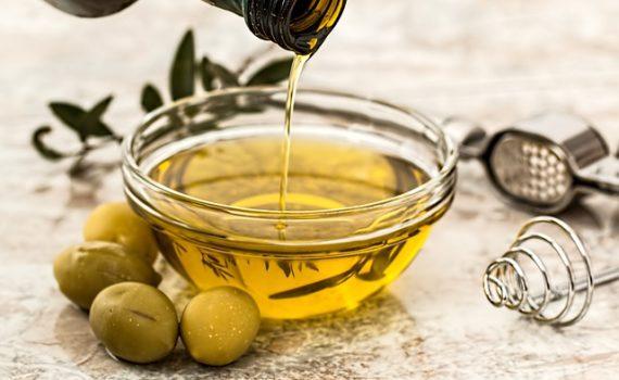 العناصر الغذائية في زيت الزيتون, السعرات الحرارية - الكربوهيدرات - العناصر الغذائية في زيت الزيتون