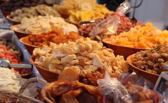 القيم والعناصر الغذائية في الفواكه المجففة, السعرات الحرارية - الكربوهيدرات - العناصر الغذائية في الفواكه المجففة